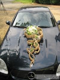 Украшение свадебного кортежа цветами. Фото 12