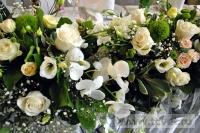 Украшение белыми цветами зала Яръ. Фото 11