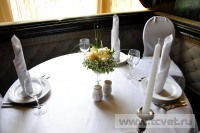 Украшение белыми цветами зала Яръ. Фото 2