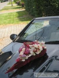 Украшение свадебного кортежа цветами. Фото 1