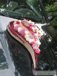 Украшение свадебного кортежа цветами. Фото 2