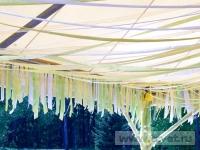 Ромашковая свадьба. Украшенный купол шатра