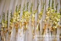 Украшение белыми цветами зала Яръ. Фото 5