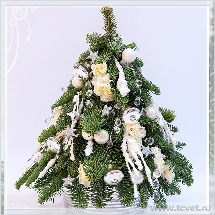 Белая елочка с хрусталиками