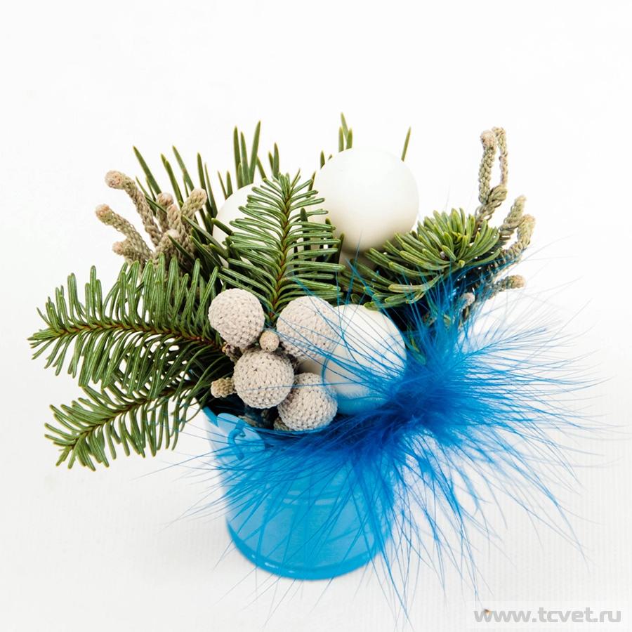 Миниатюра в ведерке голубая