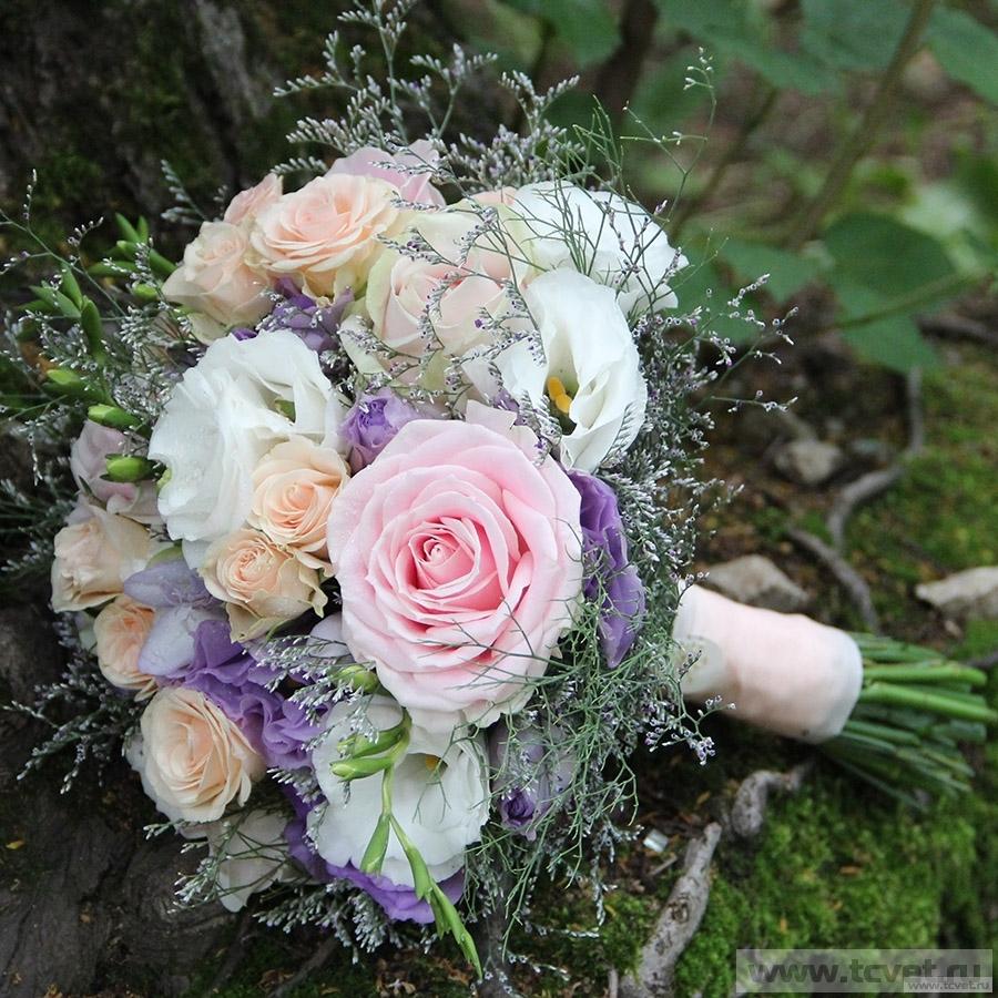 Свадебный букет Пудровый шлейф