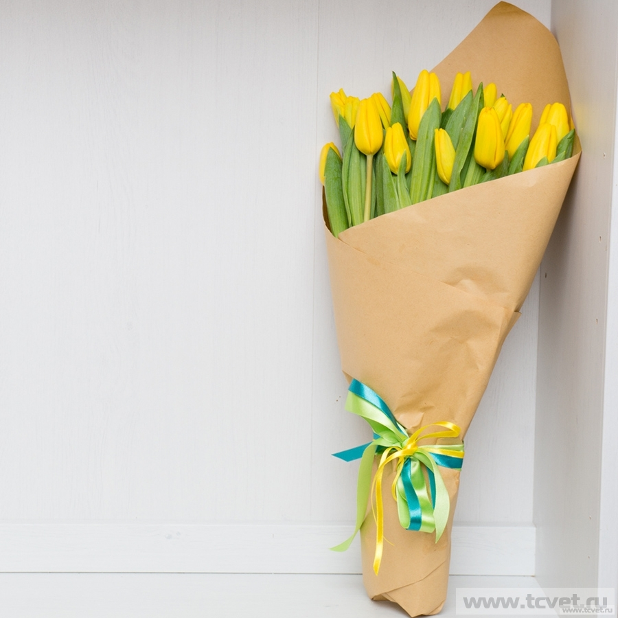 Тюльпаны в крафте 21 шт.