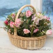 Корзина с цветами Весенний микс