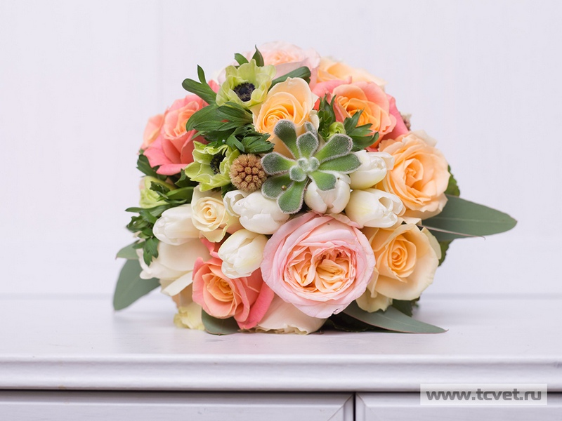 Букет невесты в популярной цветовой гамме
