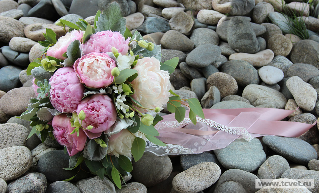 База цветов на пулковском шоссе