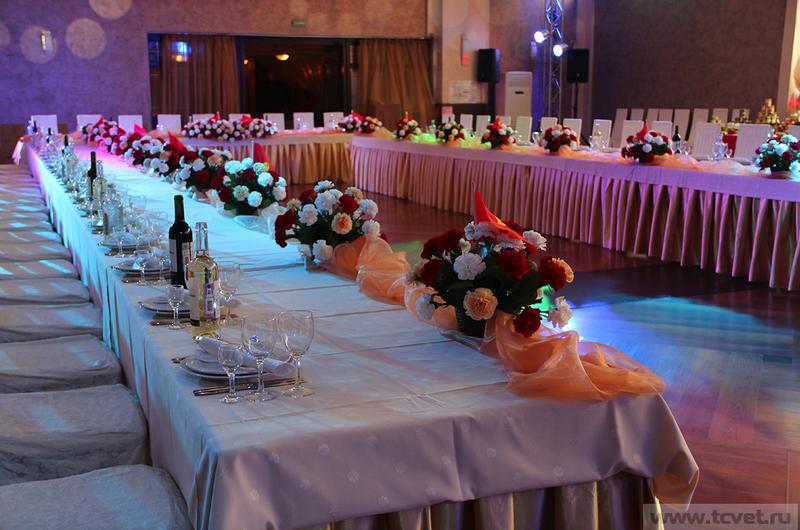 Т образный стол на свадьбу 83