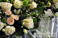 Украшение белыми цветами зала Яръ. Фото 12