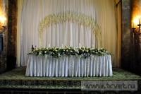 Украшение белыми цветами зала Яръ. Фото 15