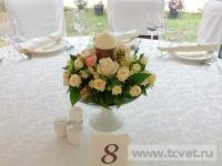 Свадьба в ресторане Островский. Украшение в вазе со свечой