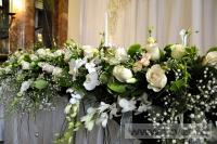 Украшение белыми цветами зала Яръ. Фото 8
