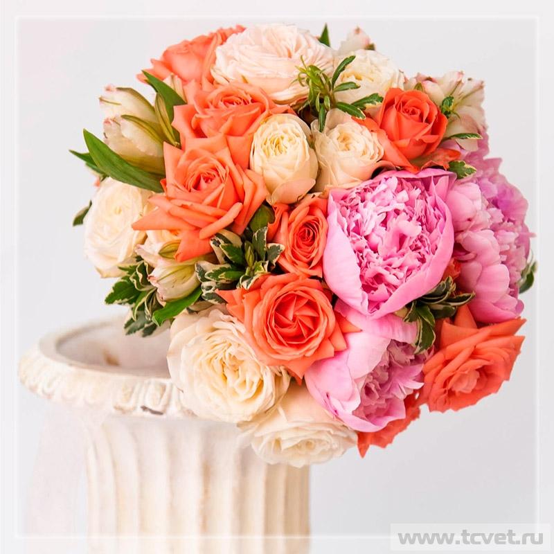 Букет невесты Коралл круглый