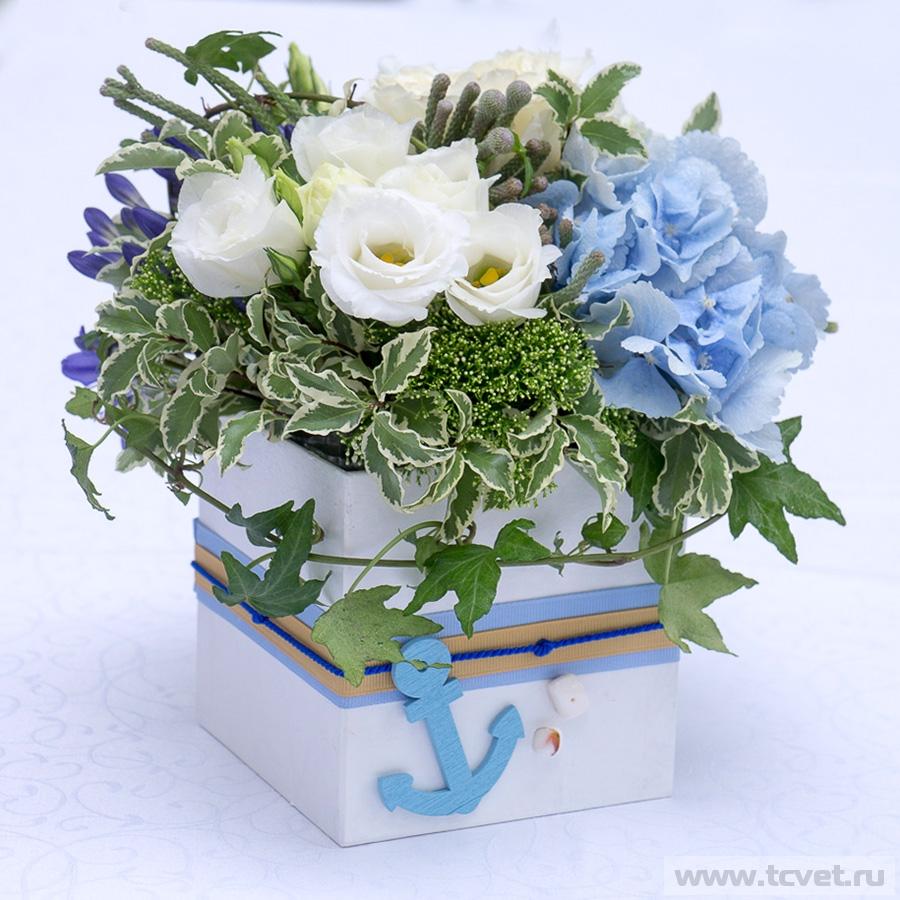 Коробочка морская на стол гостей с цветами