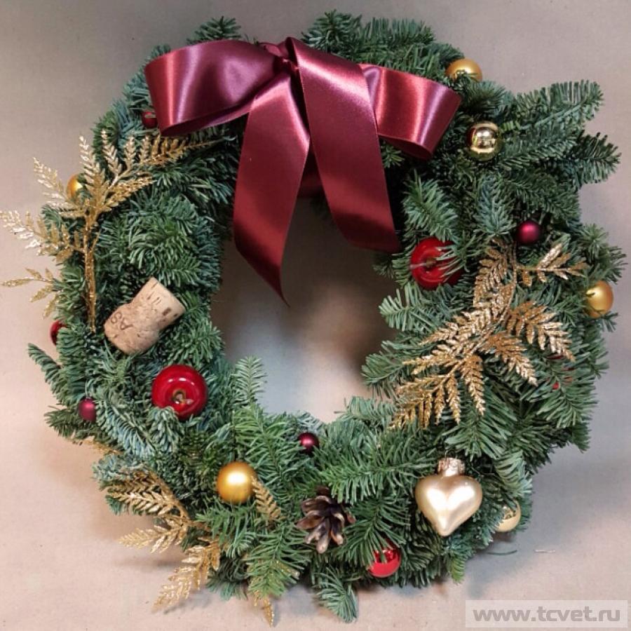 Рождественский венок красно-золотой