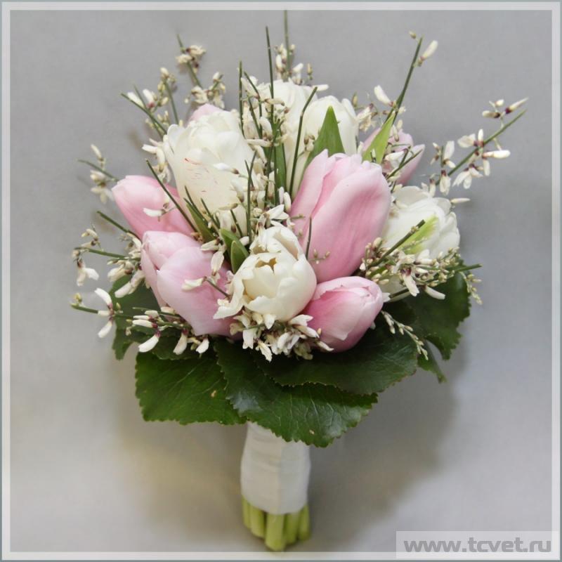 Свадебный букет невесты из тюльпанов и розовых — 12