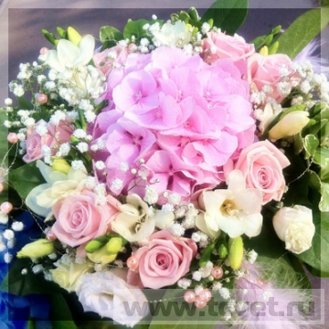 Розовый букет девушке Зефир